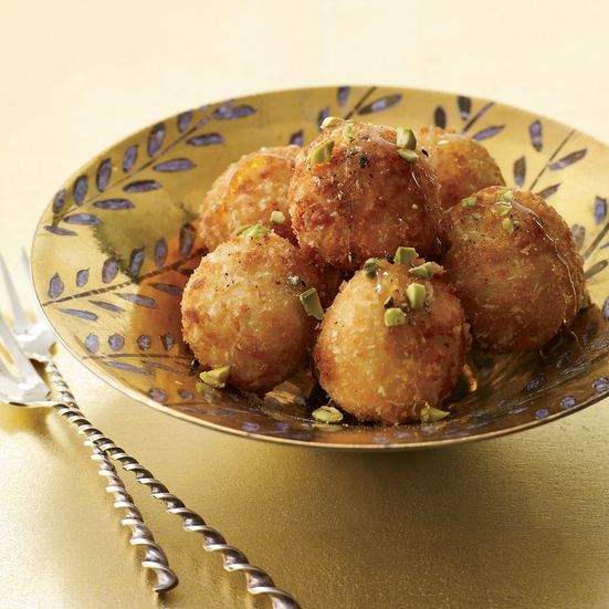 2011-xl-cocktails-food-goat-cheese-balls