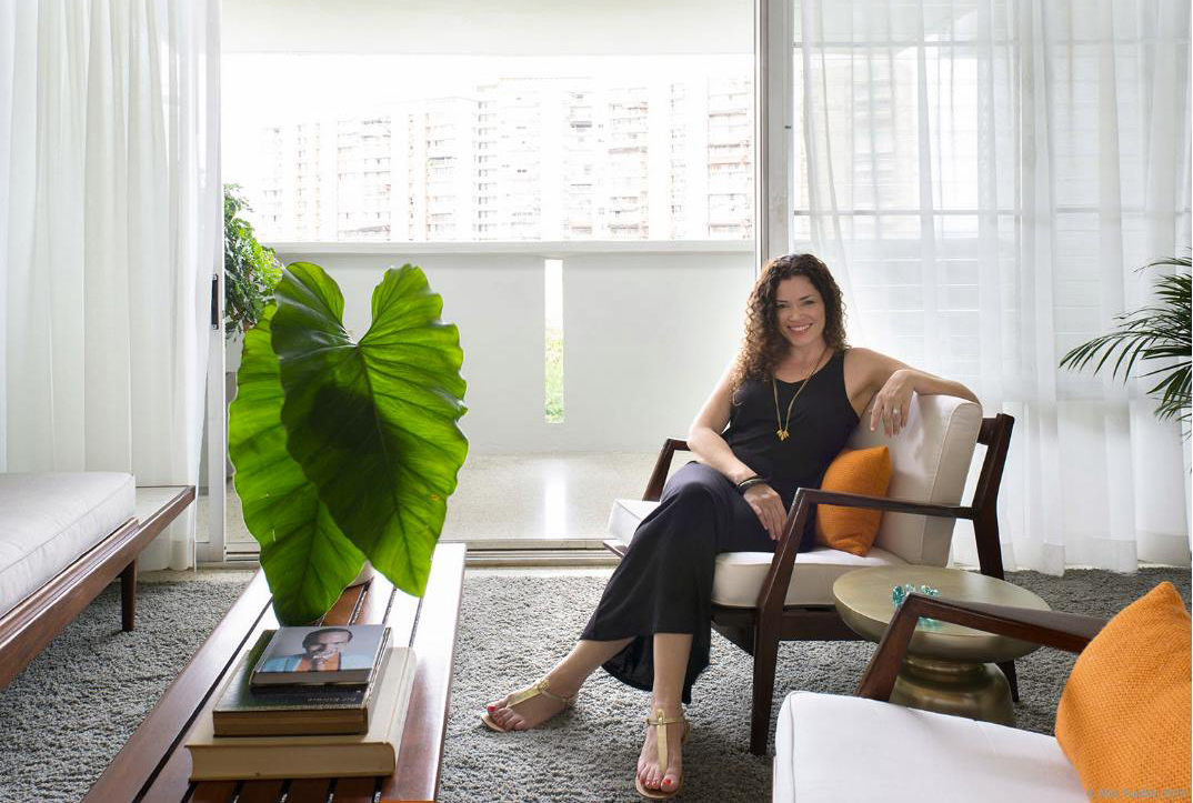 Jacqueline Pagán: Diseño Tropical Retro en El Monte