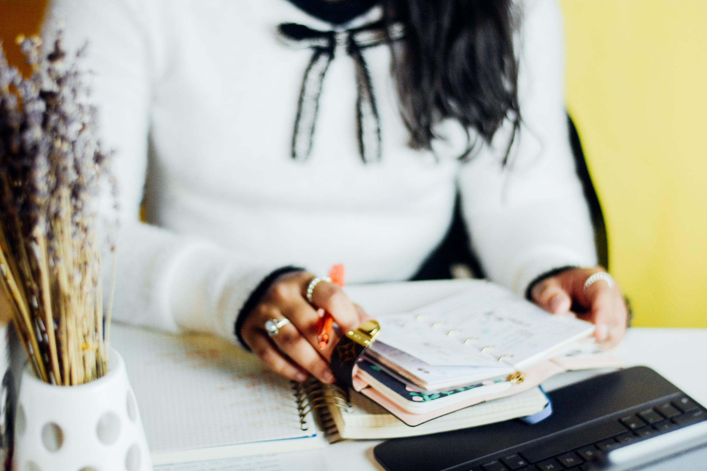 ¿Es necesario trabajar en oficina antes de lanzarte como freelance?