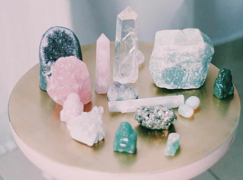 Cuarzos 101 x Veroshk: Crash Course para entender tus nuevas piedras