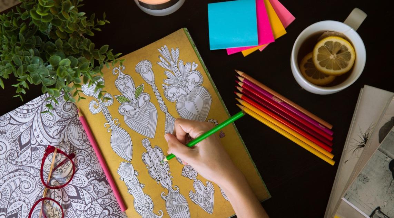 ¿Mucho estrés? Bájalo con estos 5 coloring books para adultos